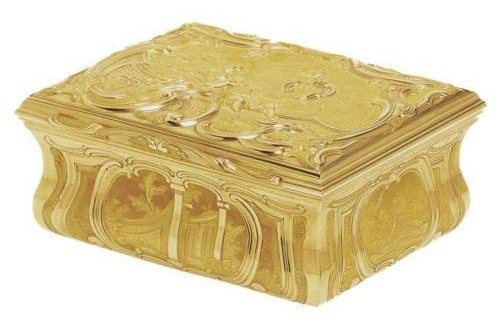 "English snuffbox by unknown ""GH"""